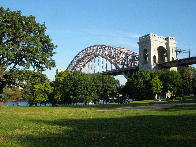 Hellgate Bridge in Astoria Park (c) Meg Cotner